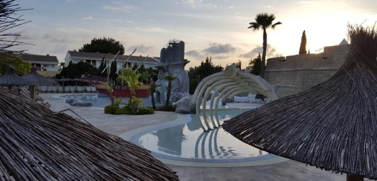 Pool view of a hotel in Majorca
